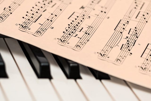 クラシックに強い!人気の無料おすすめ音楽アプリ【Android/iPhone対応】