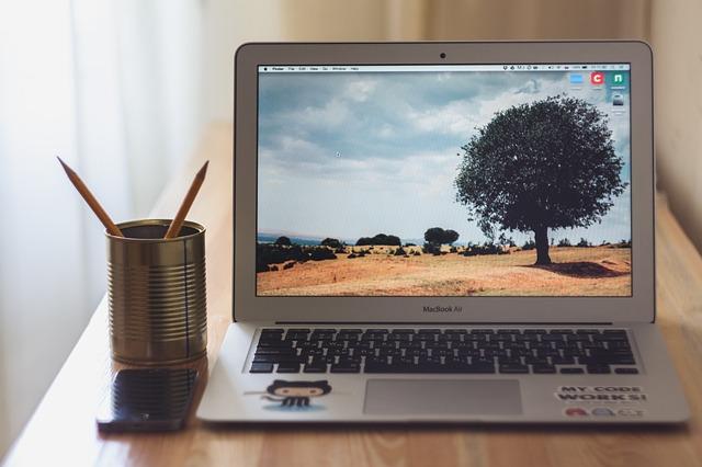 MacBook Airに買い替えた人のレビュー|良かったこと、不満に感じること