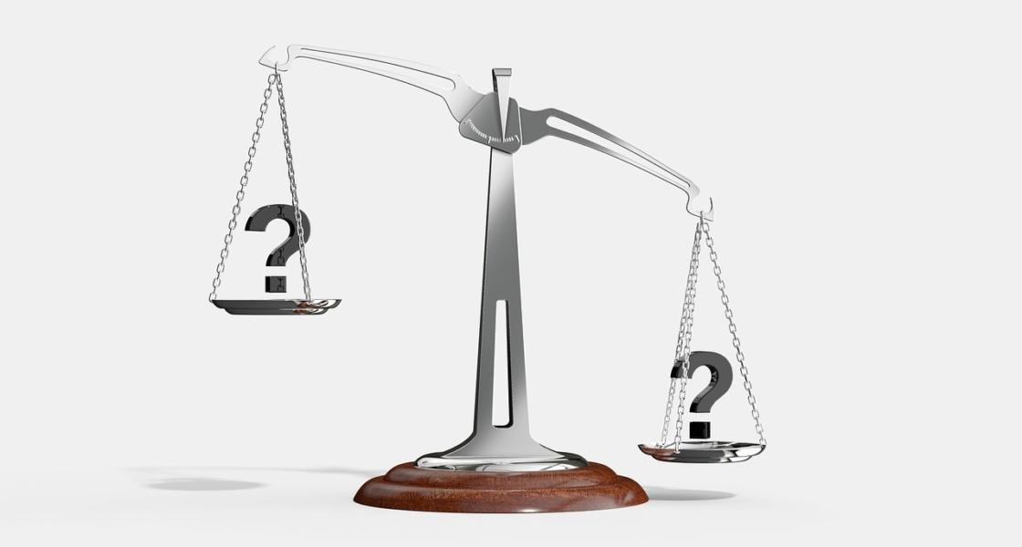dカードGOLDがあればケータイ補償サービスは不要?2つの違いと注意点