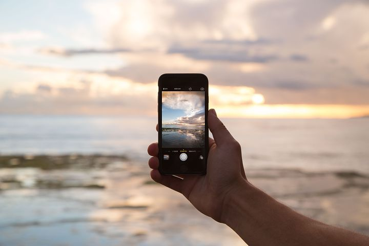 インスタ映え命!人気のおすすめカメラアプリ【Android/iPhone対応】