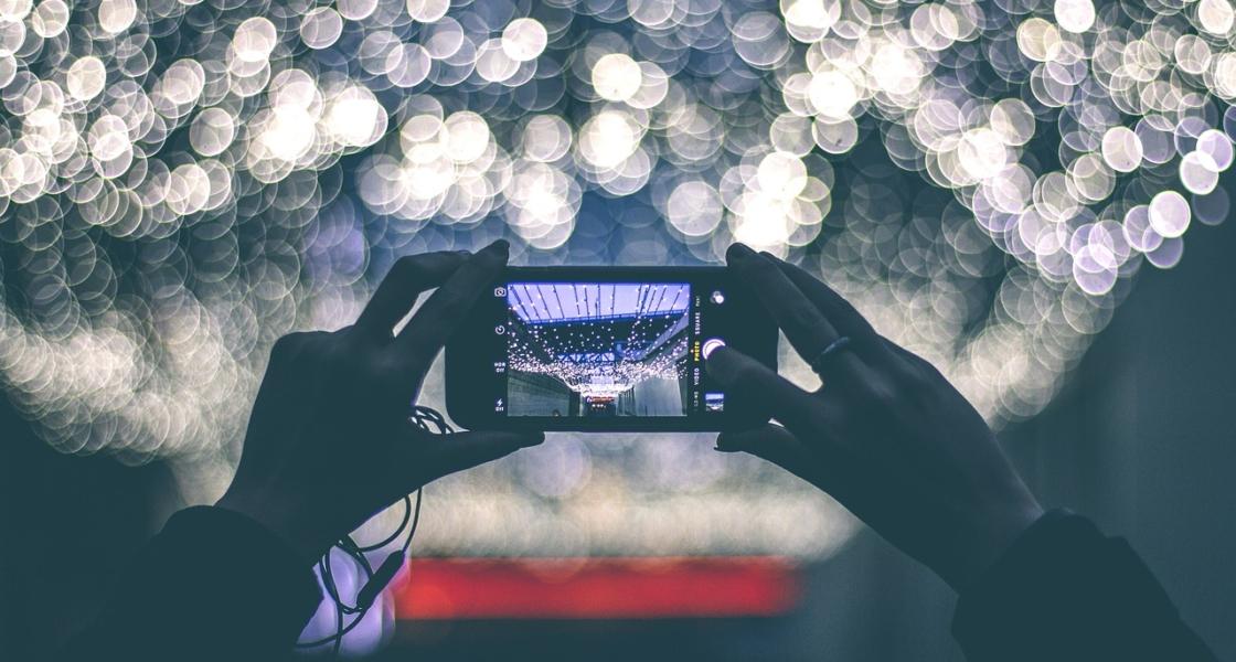 最新スマホが採用するデュアルカメラ・トリプルカメラのメリット