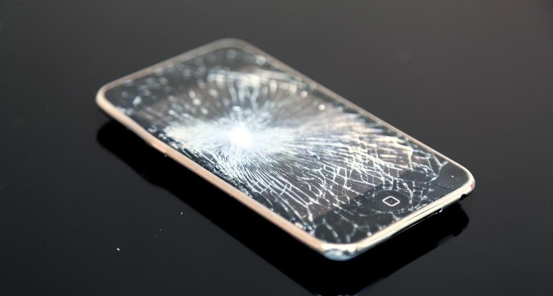 楽天モバイルの「つながる端末保証」は必要?故障から修理までの手順