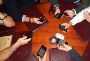 家族でiPhone 8を利用する場合の利用料金比較