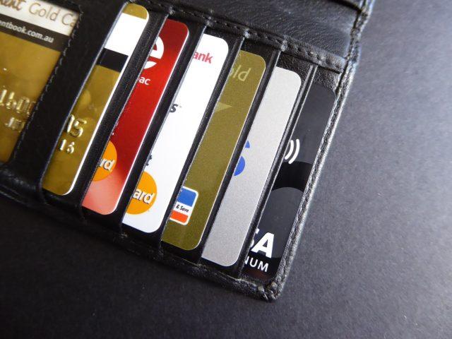 LINE Pay/PayPayのチャージで困るクレジットと銀行口座の登録について