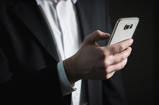 iPhone Xの画面が真っ黒になった場合の確認すべき3つの手順
