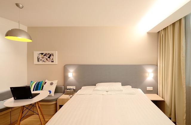 hotel-1330847_640