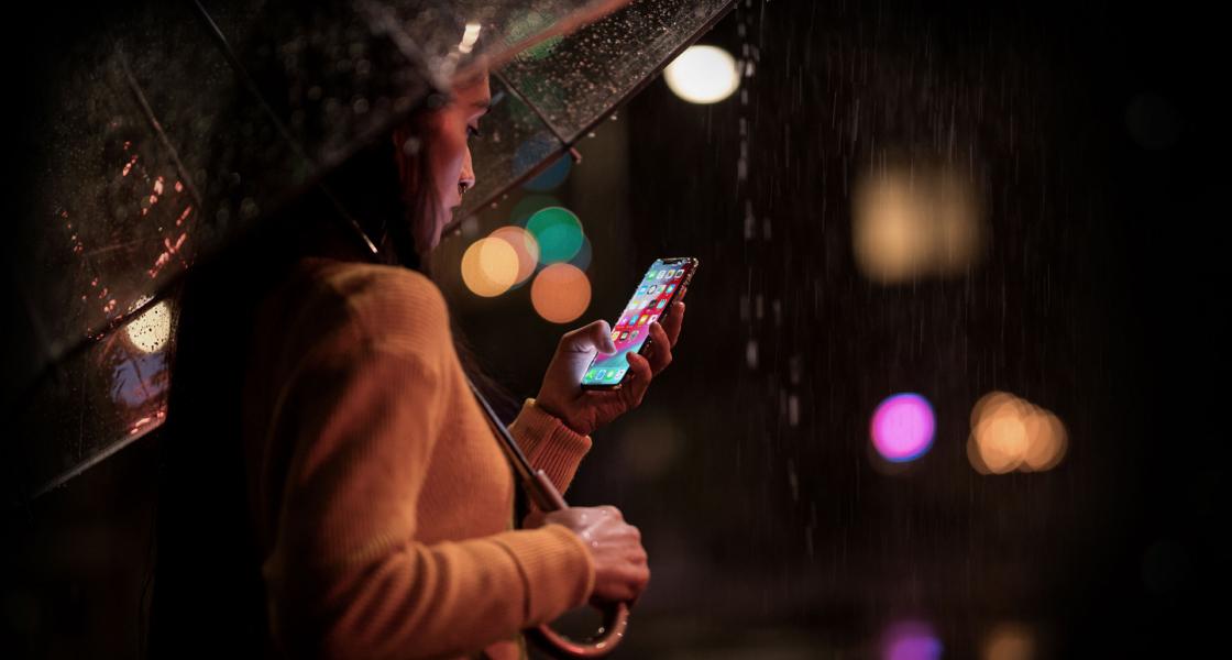 iPhone XSの防水・防塵性能のレベルは?おすすめ防水ケースはコレ!