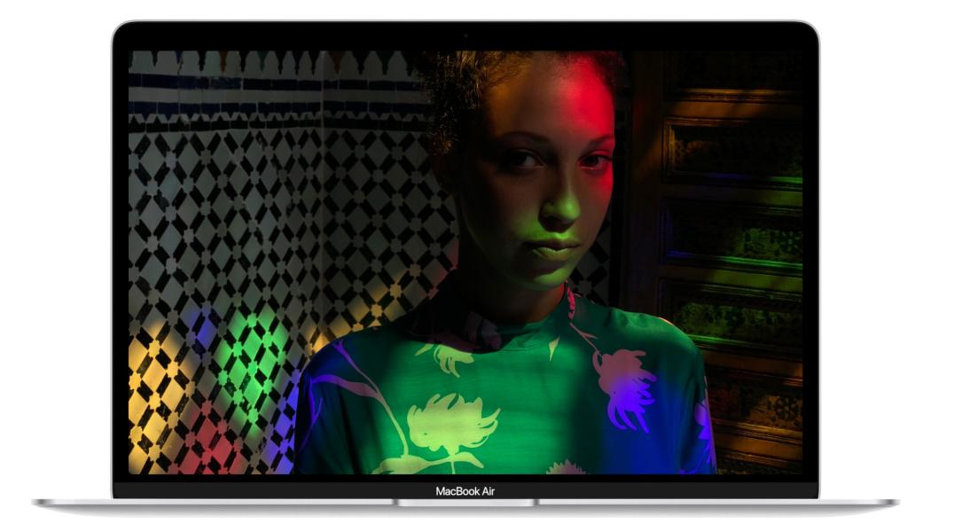 Macbook Airレビュー|iPhoneと相性抜群の高解像度ディスプレイPC