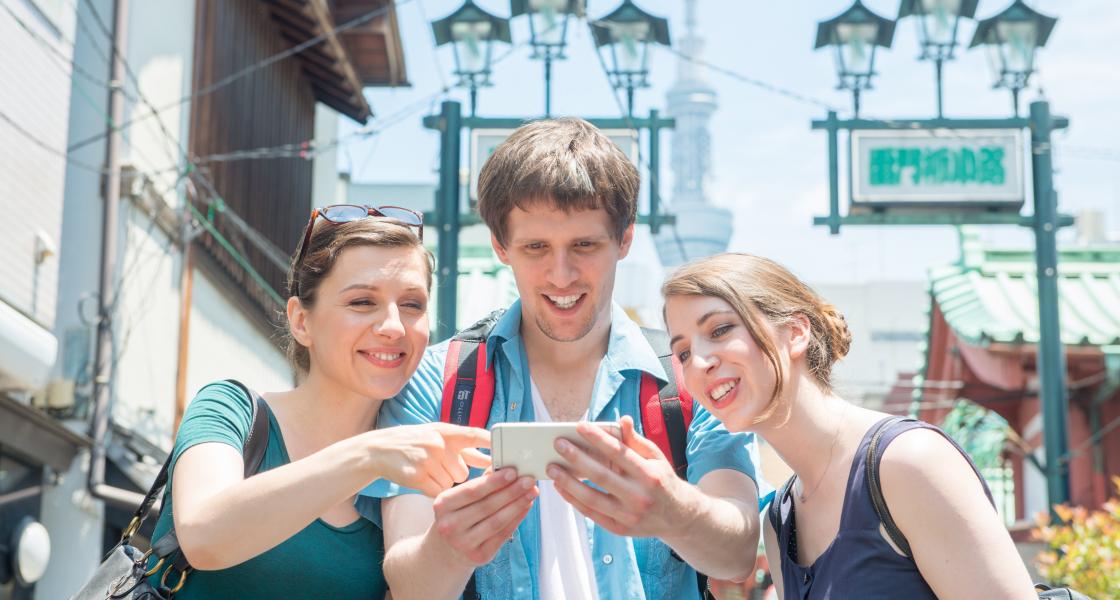 現地SIMの設定は意外と簡単!海外旅行者に聞いたプリペイドSIMの感想