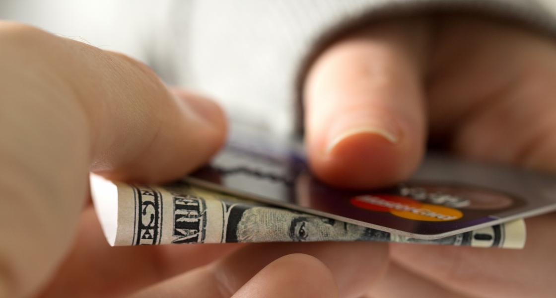 まだコンビニで現金使ってるの?スマホ決済おすすめ理由を口コミ調査