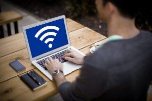 ノートパソコンとWi-Fi