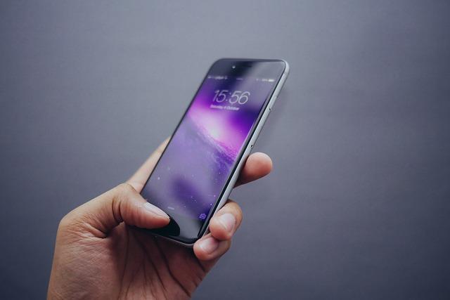 auユーザーに聞く、2019年新型iPhoneは購入する?しない?