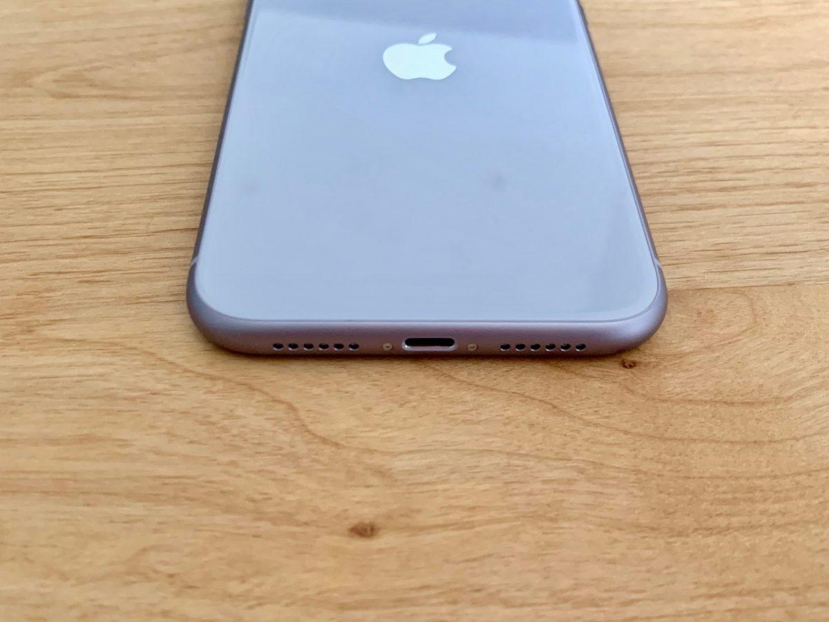 iPhone11端子