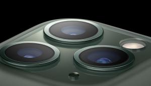 トリプルカメラ