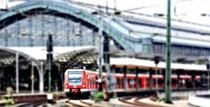 シーン2:都内の電車車内