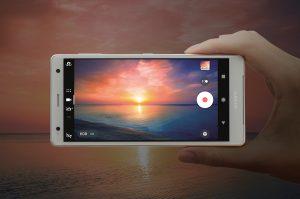 Xperia XZ2で動画を撮っている画像