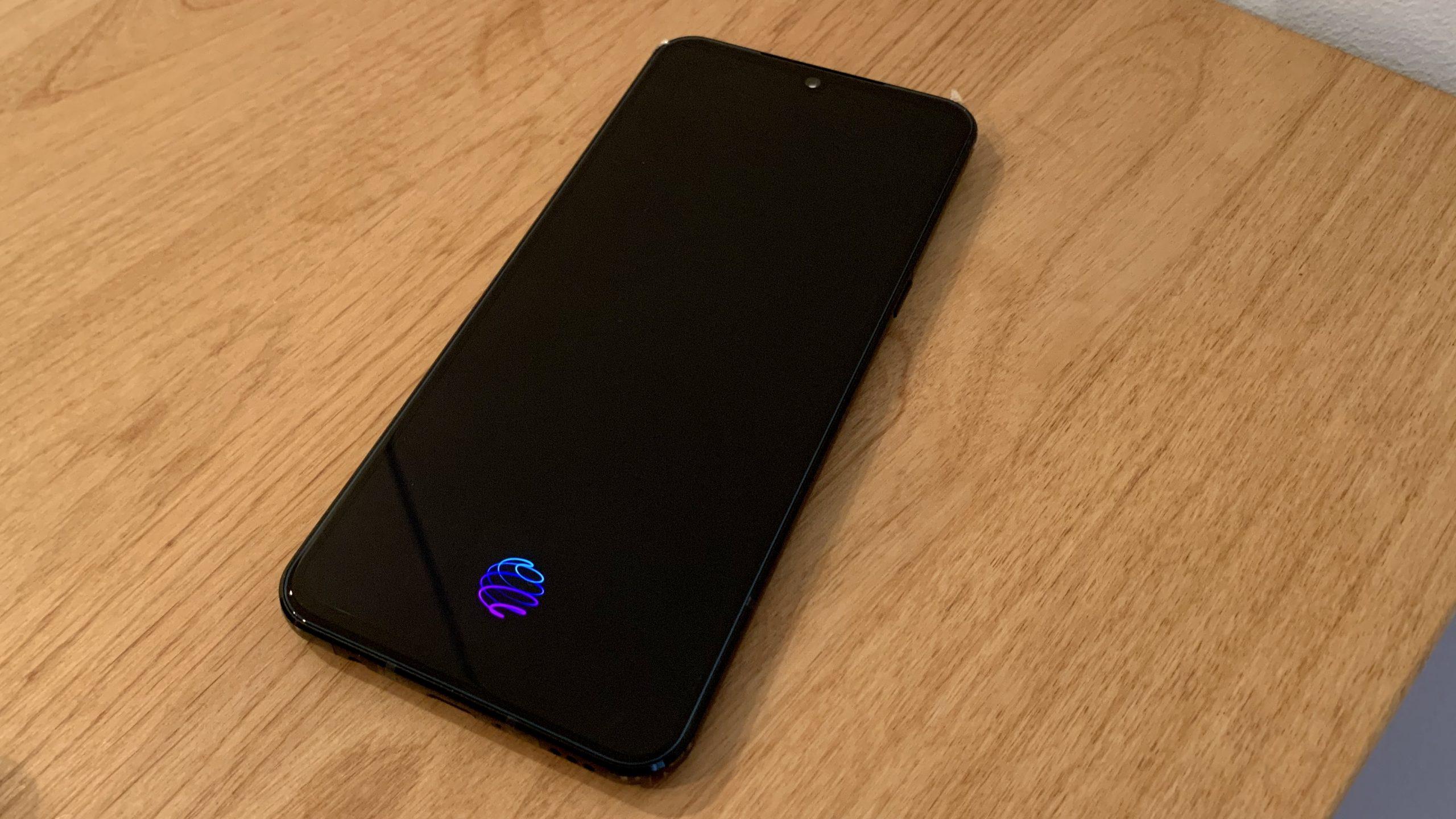 LG V60 ThinQ 5G 表面