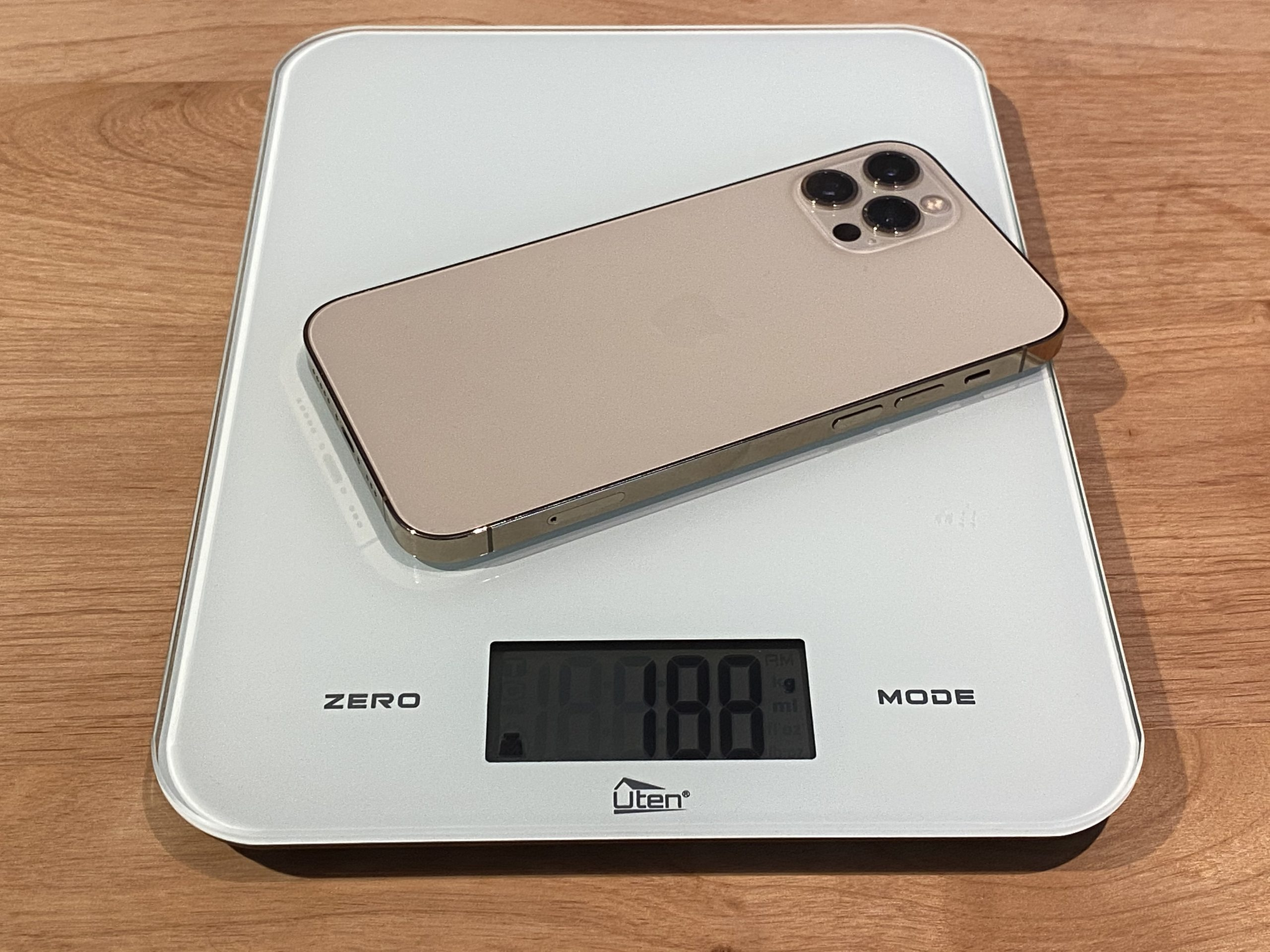 iPhone12 Pro 重さ