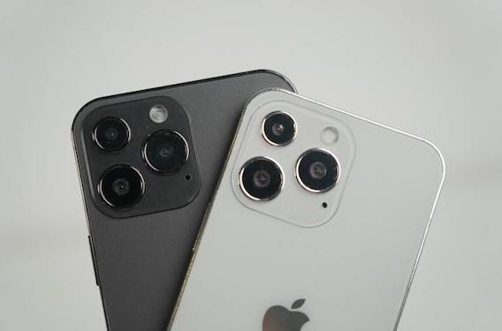 iPhone13 モック