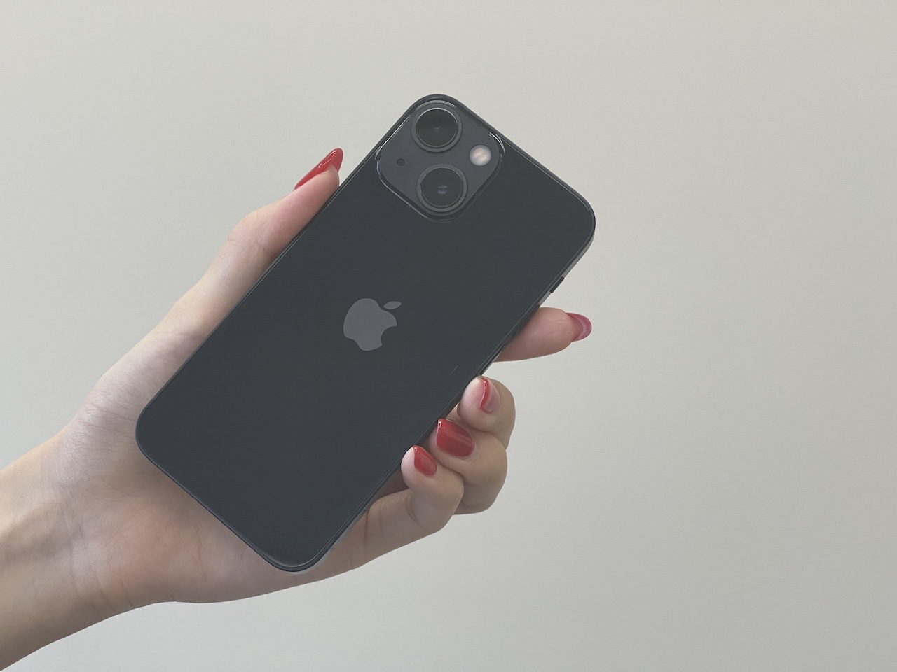 iPhone 13 miniのミッドナイト